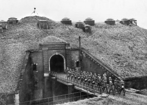 Maginot Line in 1939 - these are scottish highlander troops, Nazis not there yet